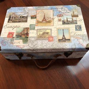 Suitcase storage box